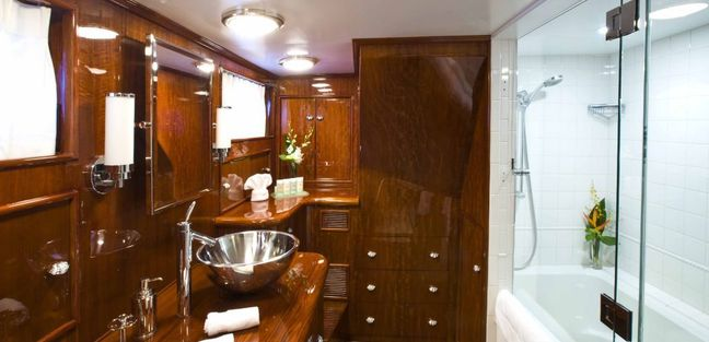 The Highlander Charter Yacht - 5
