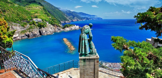 Enjoy the Beauty of Monterosso