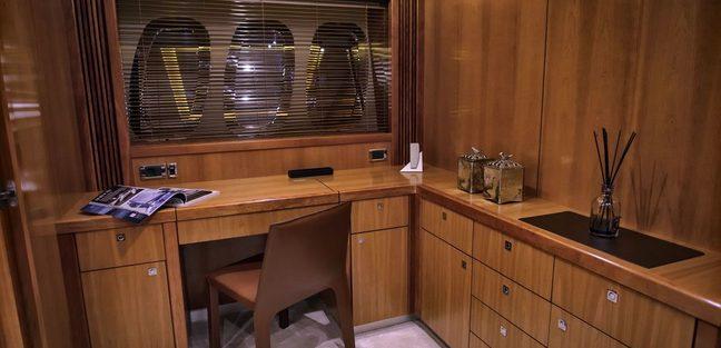 Casino Royale Charter Yacht - 6