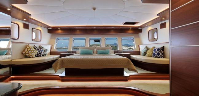 Dragon Fly Charter Yacht - 7