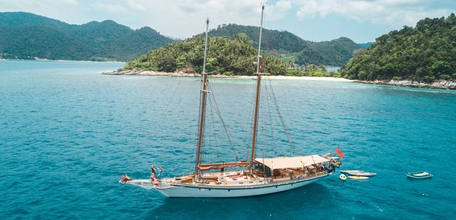 Dallinghoo Charter Yacht - 2