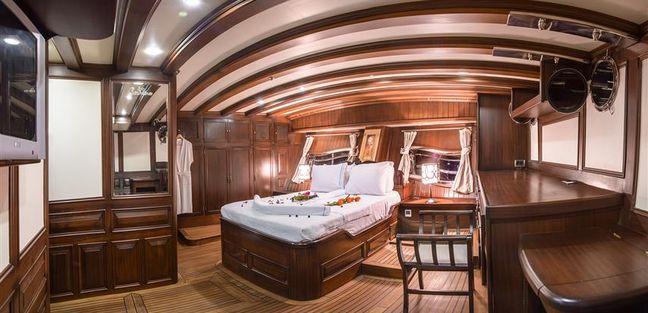 Grande Mare Charter Yacht - 4