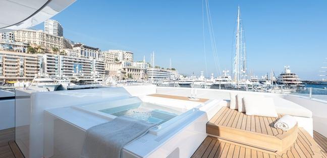 Entourage Charter Yacht - 3