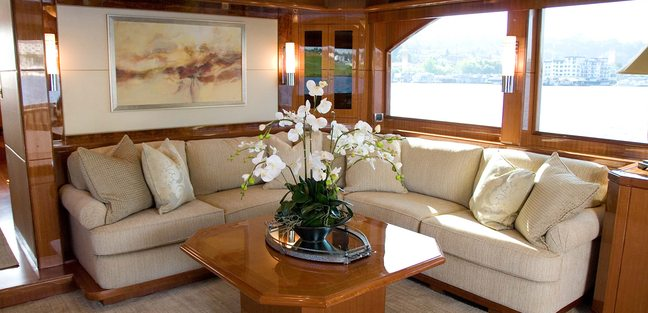 Nauti Buoys Charter Yacht - 7