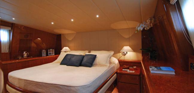 Bonito Charter Yacht - 8