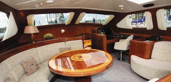 Vita Bella Charter Yacht - 2