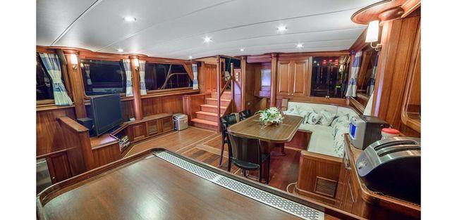 Dea Del Mare Charter Yacht - 6