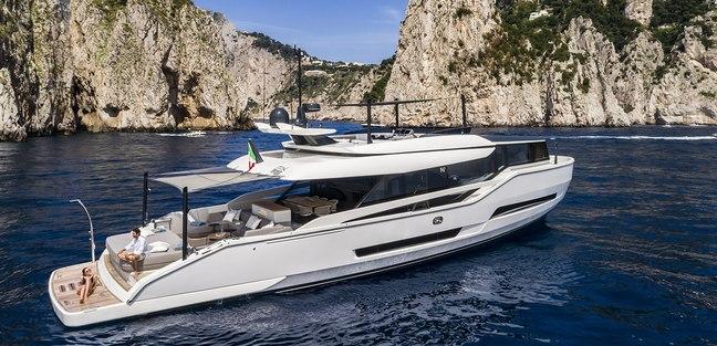 Mini K Charter Yacht - 3