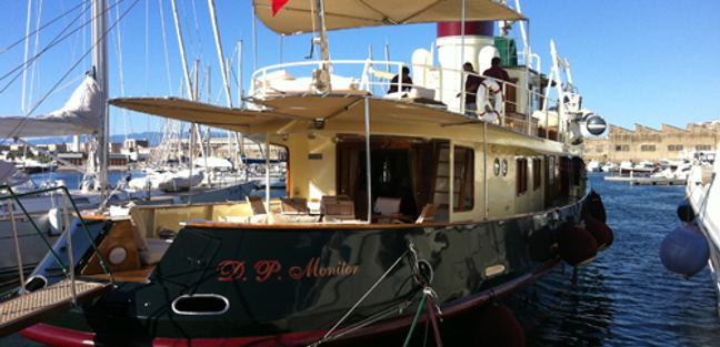 DP Monitor Charter Yacht - 4