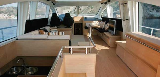 Regis Charter Yacht - 4