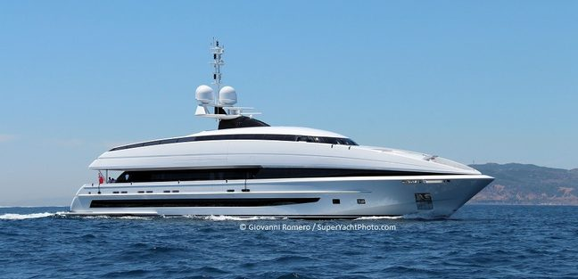 Crazy Me Charter Yacht - 3