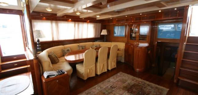 Queen South III Charter Yacht - 5