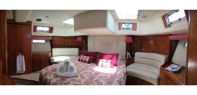 Independence Of Herm Charter Yacht - 8