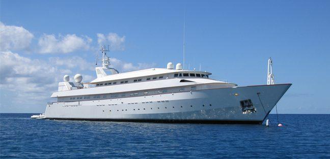 Yaakun Charter Yacht