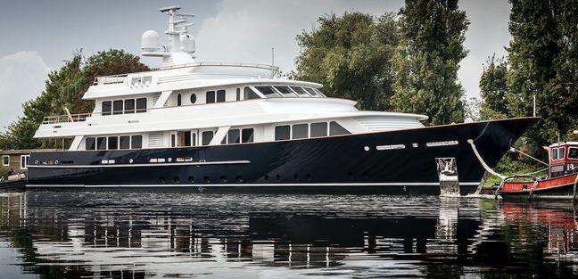 Valoria B Charter Yacht - 2