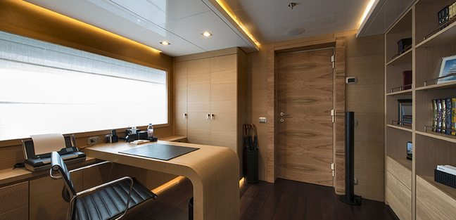 Resilience Charter Yacht - 7