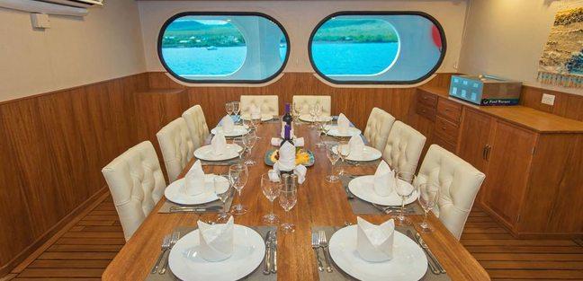 Tip Top II Charter Yacht - 6