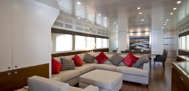 Maca Charter Yacht - 4