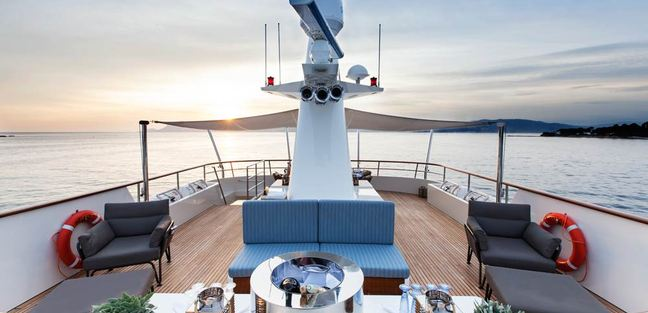 Robbie Bobby Charter Yacht - 2