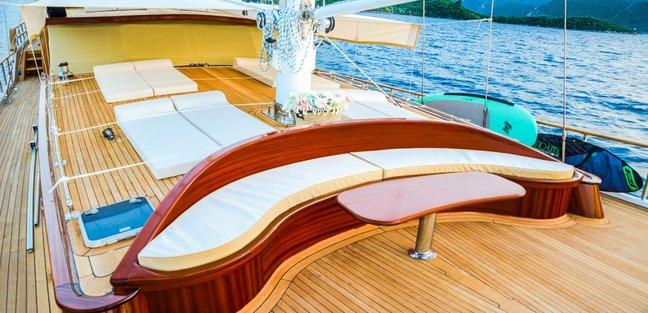 Wicked Felina Charter Yacht - 2