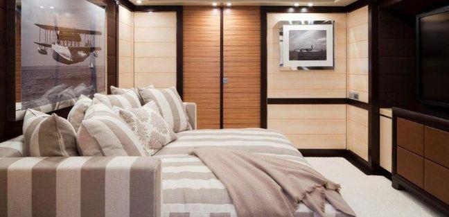 Lisa IV Charter Yacht - 8