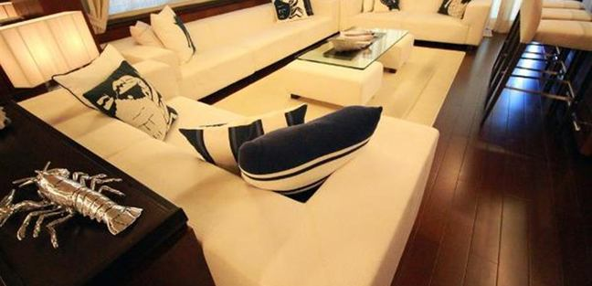 Tail Lights Charter Yacht - 7