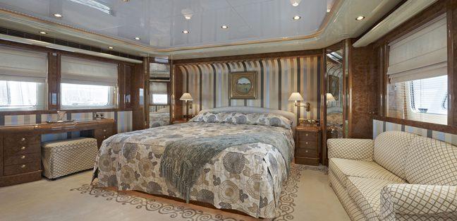Happy T Charter Yacht - 3