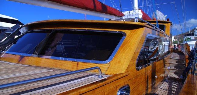 Besame Mucho Charter Yacht - 8