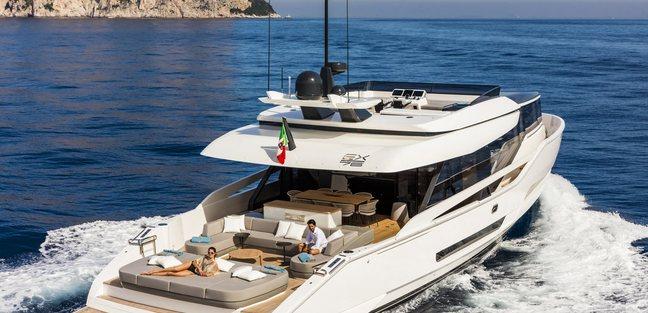 Mini K Charter Yacht - 2