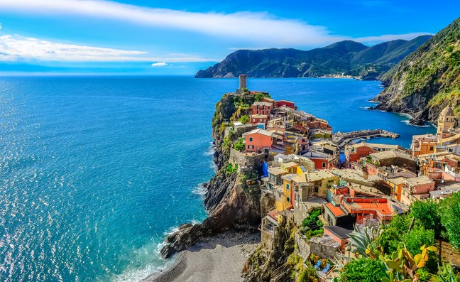 Where should I visit on an Italy yacht charter?