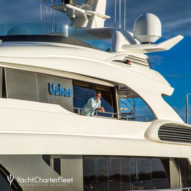 Usher photo 51