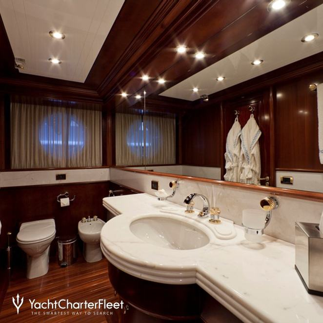 Guest Stateroom - Bathroom