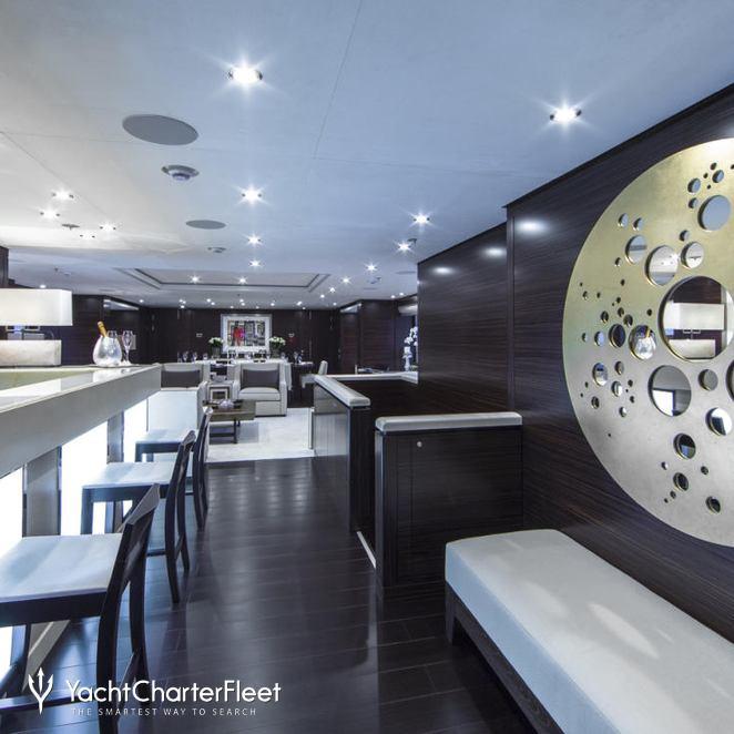 Main Salon Bar