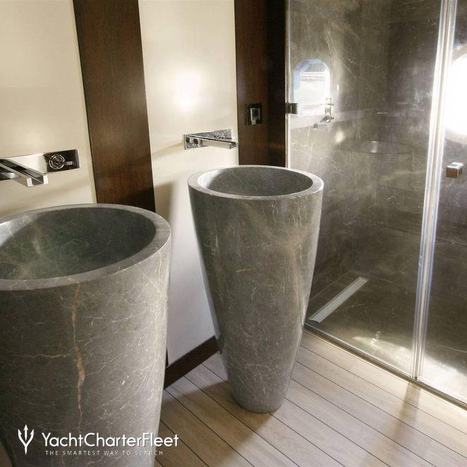 Guest Bathroom - Detal