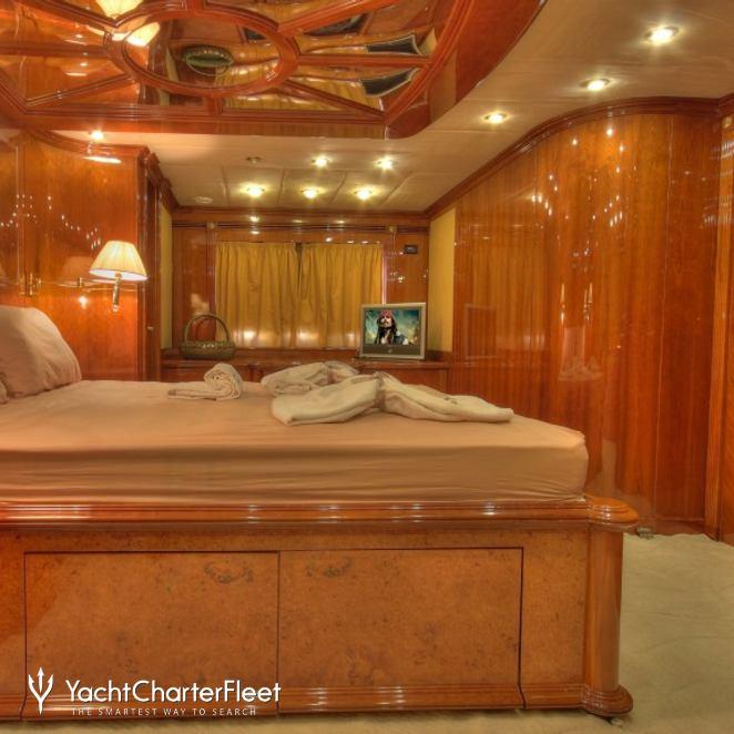 Dream Yacht photo 18