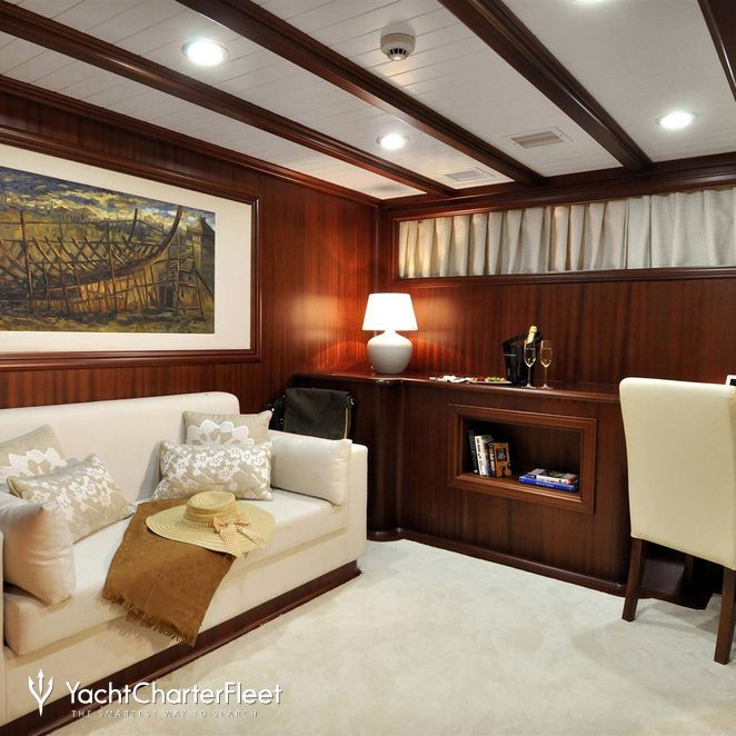 Master Cabin - Seating Area