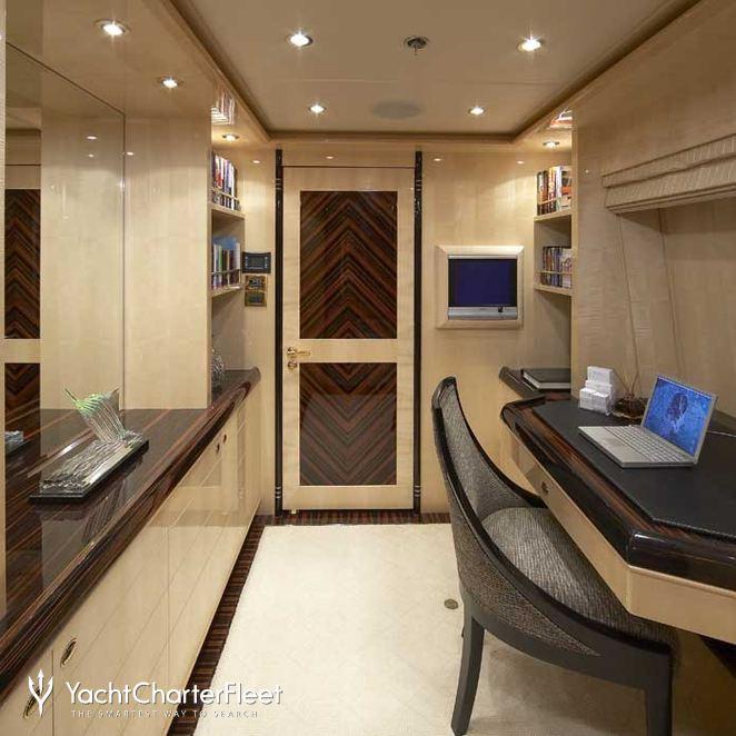 Upper Deck Master Office