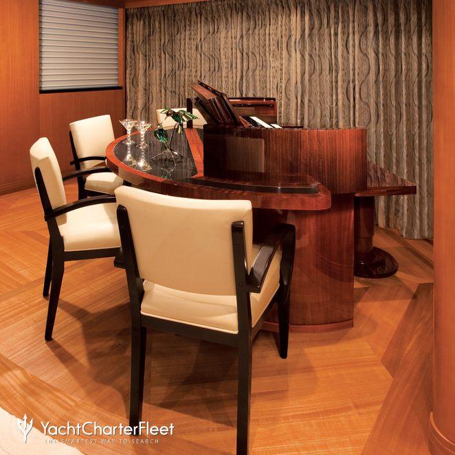 Piano & Seating