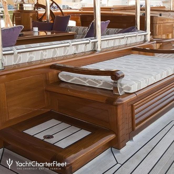 Deck Seat