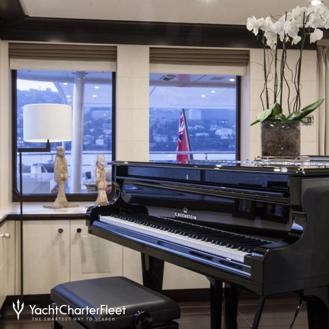 Piano in Skylounge
