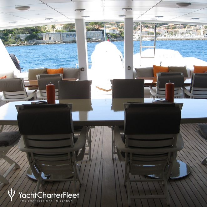 Upper Deck Dining & Seating