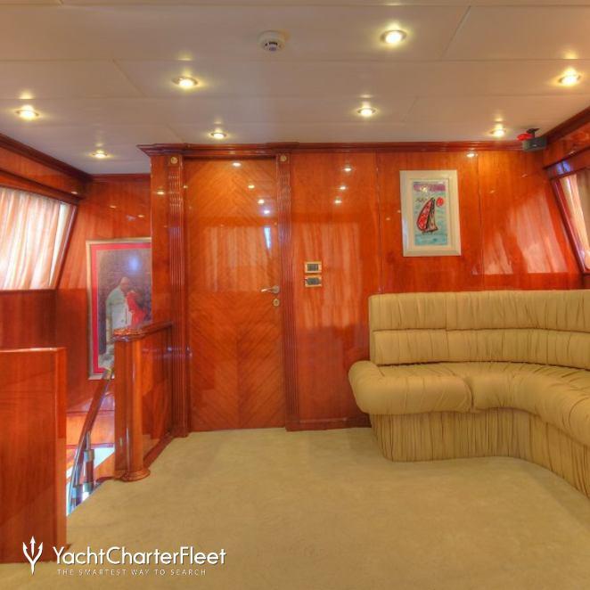 Dream Yacht photo 13