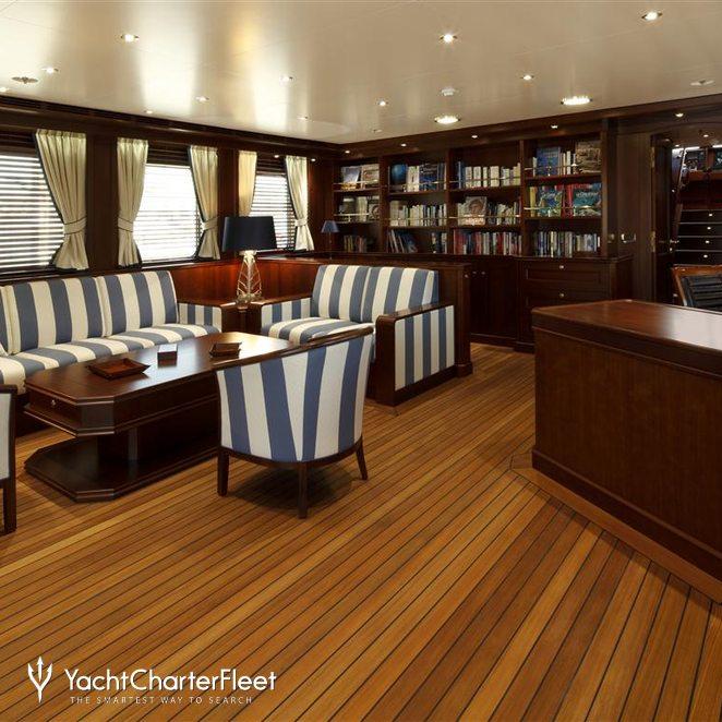 Upper Lounge Area