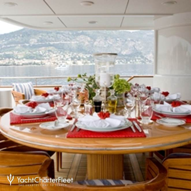 Bridge Deck Aft Dining