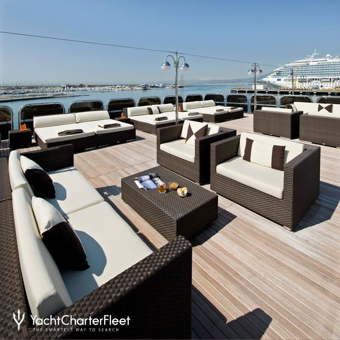 Sundeck - Seating