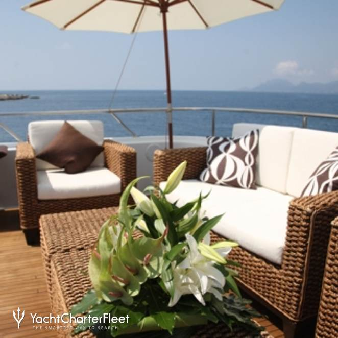 Top Deck Seating Area