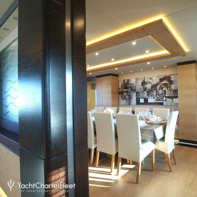 Dining Salon & Hallway
