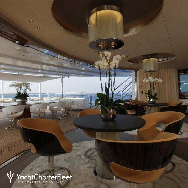 Additional Seating On The Main Deck