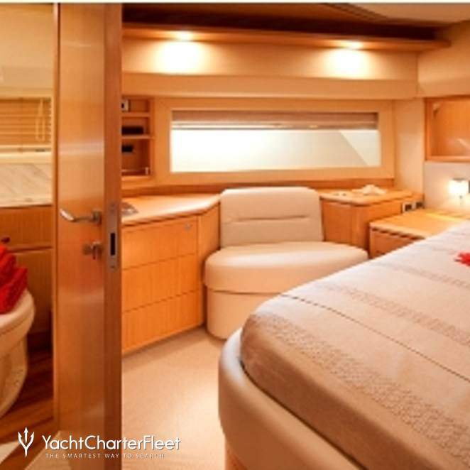 Ferretti 881 2012 photo 4