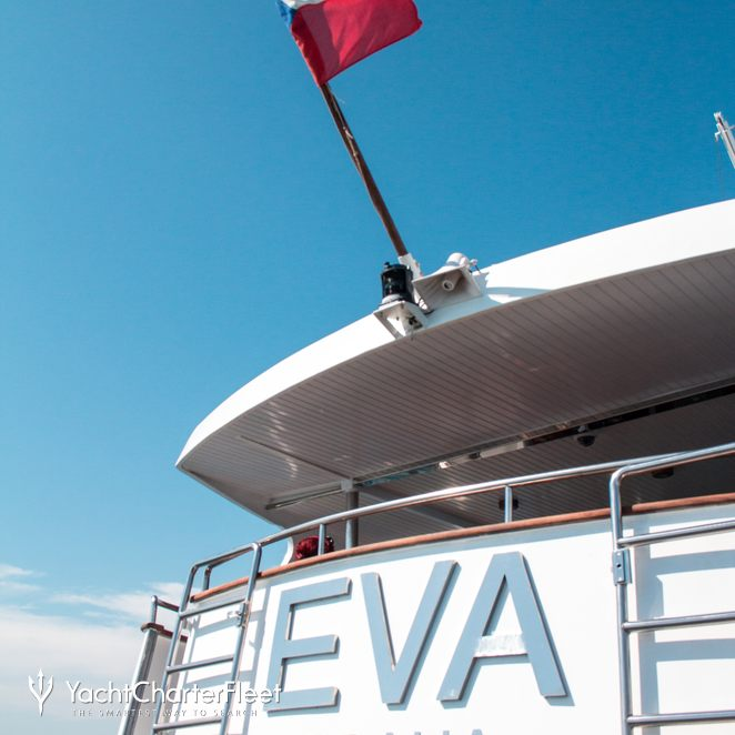 Eva photo 38